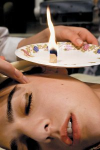 Manfaat Ear Candle Therapy