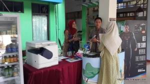 Klinik Kecantikan L'Melia bekerjasama dengan Bank BRI membuka booth di FT UMJ